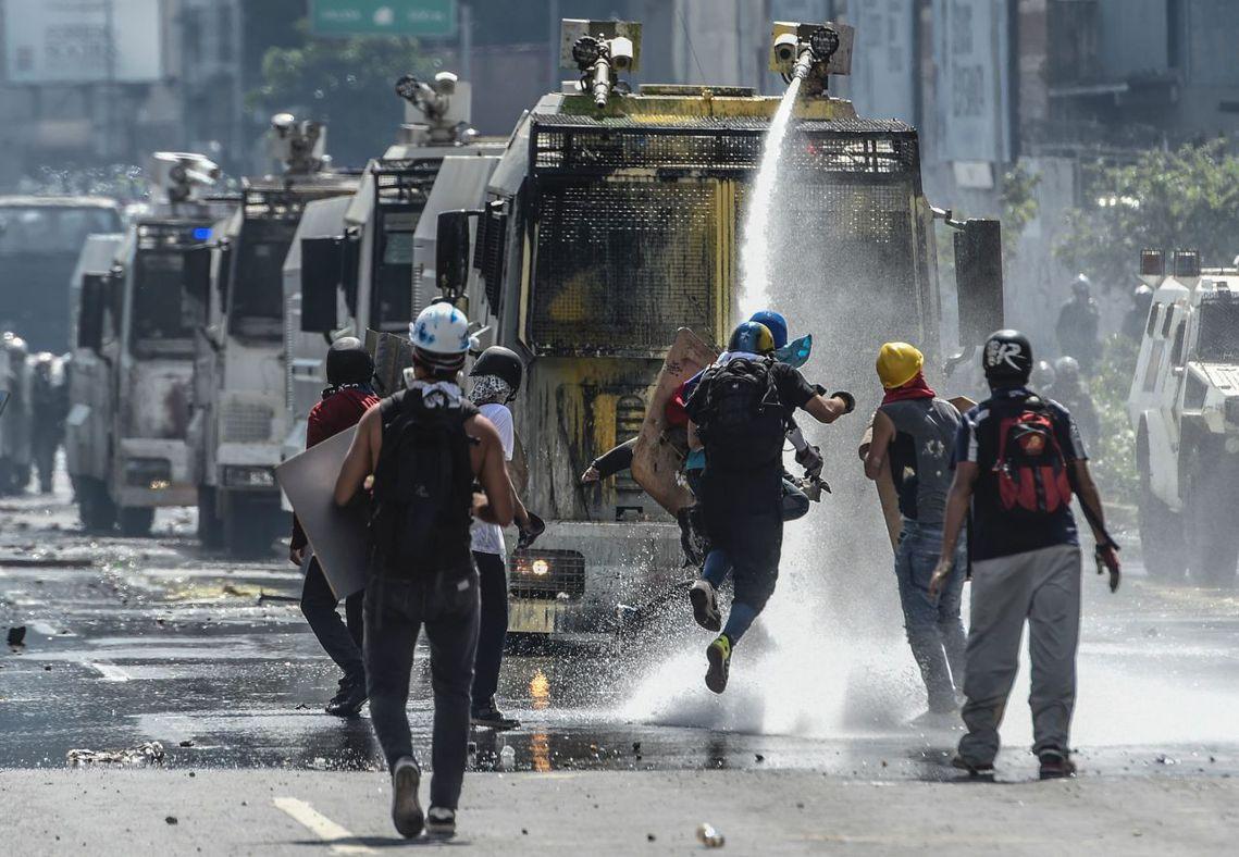 「委內瑞拉人民將永遠不會忘記,在民主制度或獨裁者的鈔票前,高盛選擇站在了那一邊。...