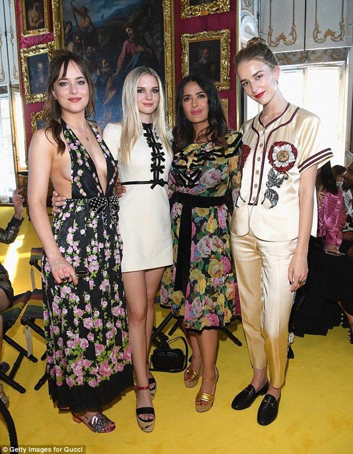 達珂塔強森(左一)、Stella Banderas(左二)和Grace John...