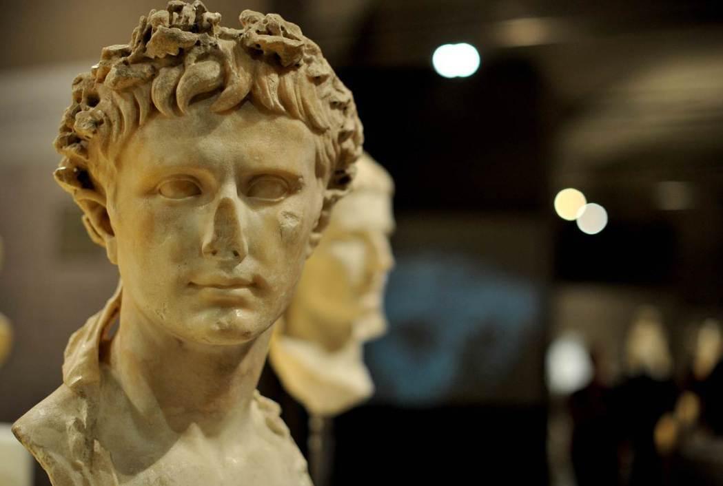 如果連奧古斯都陵墓這樣等級的古蹟都差點募不到修復經費,又怎能期待一些缺乏名氣的古...