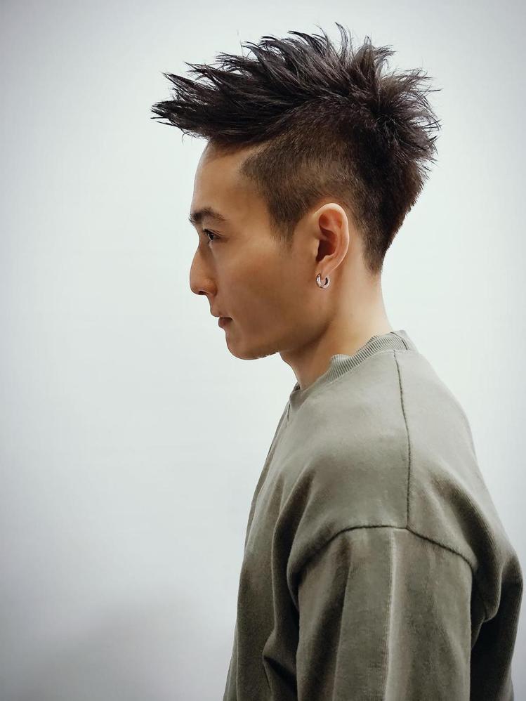 髮型創作/諾亞藝術造型三民店 - 羅羅黎 。圖/HairMap美髮地圖提供