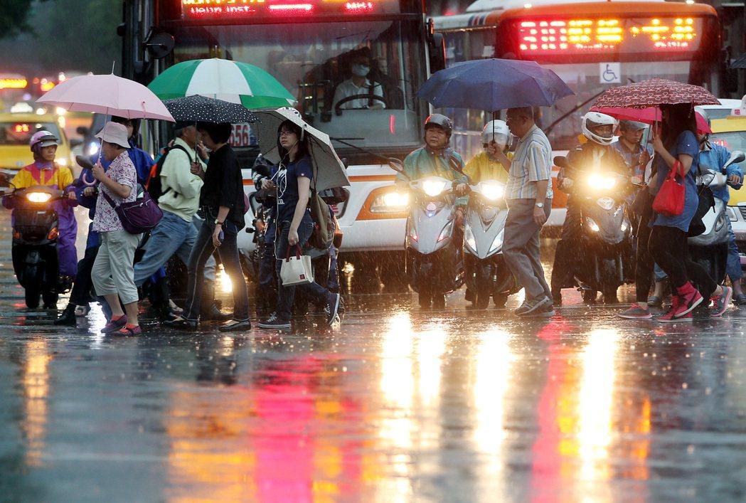 梅雨周五到!彭啟明:恐有較劇烈雨勢 易致災的天氣