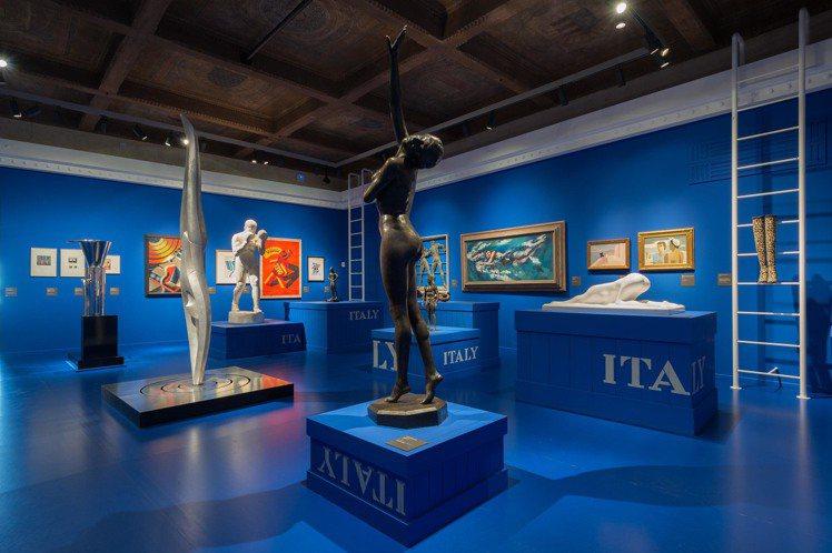 8號展廳《身體美學》現場陳列。圖/Ferragamo提供