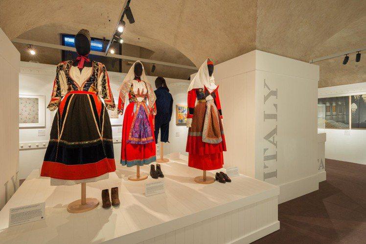 3號展廳《義大利民間與裝飾藝術》現場陳列。圖/Ferragamo提供