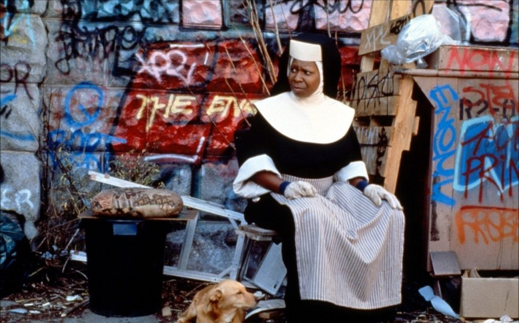 琥碧戈柏在「修女也瘋狂」的喜感演出,大受觀眾歡迎。圖/摘自imdb