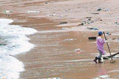 回響/海洋危機 環署3個月內啟動淨灘