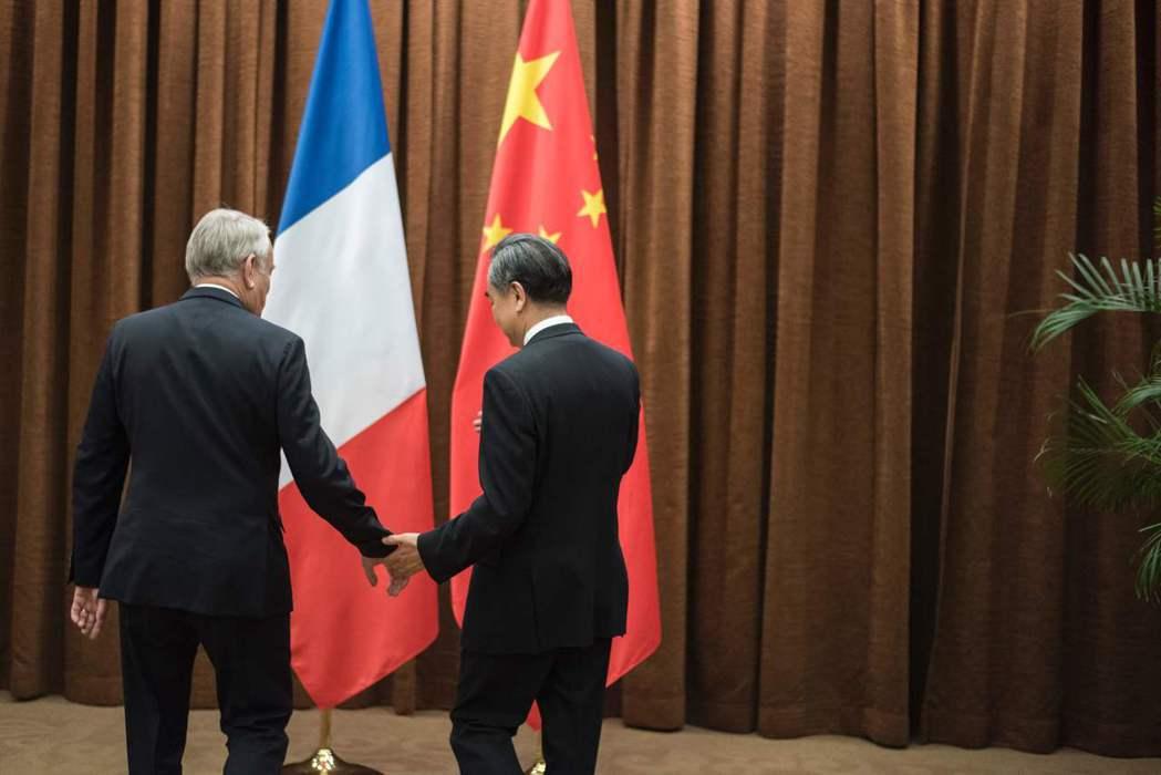 法國未來能預料的是,將會帶來更多實質上和中國方面的經貿互動,以挽救當前衰退中的法...