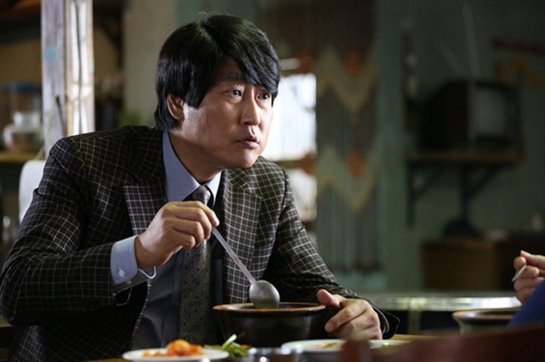 苦讀了七年,宋佑碩終於考取了法官,也才大大方方地回到原先那家湯飯店,清光了所有的...