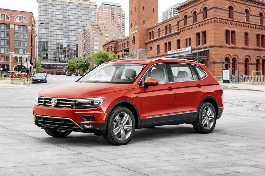 在確認 18年式的 Tiguan 將搭載全新 2.0 升 TSI 引擎後,旗下 Passat 與 Beetle 也將跟進。 摘自 Volkswagen