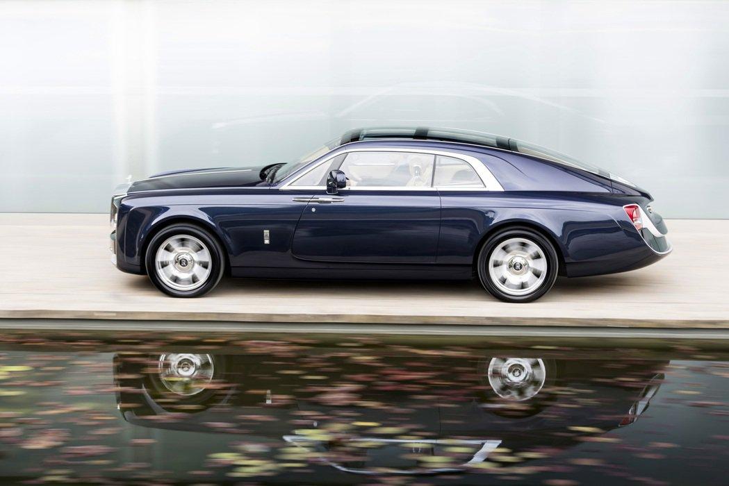 Rolls-Royce Sweptail靈感源自於20世紀初黃金年代車主所鍾愛的一些勞斯萊斯車型,以及許多經典和現代的遊艇。圖/Rolls-Royce提供