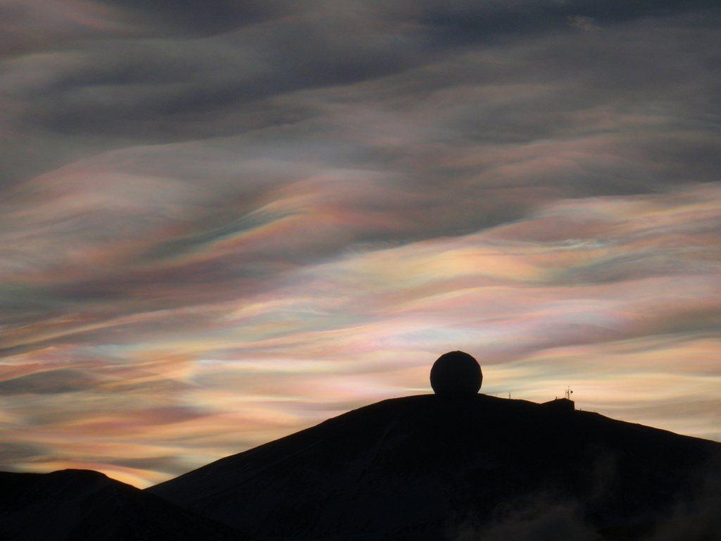 珠母雲。圖/Hike395。