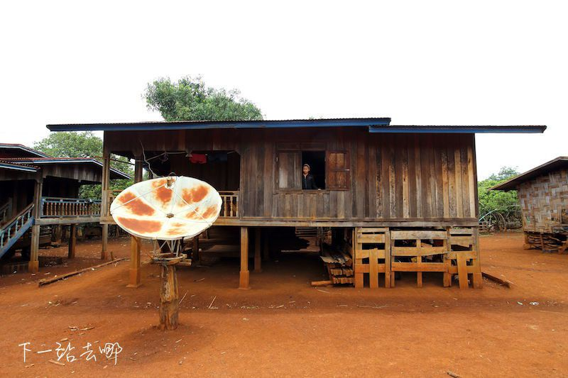 附近的村子都是木造房屋。 賴勳毅/攝影
