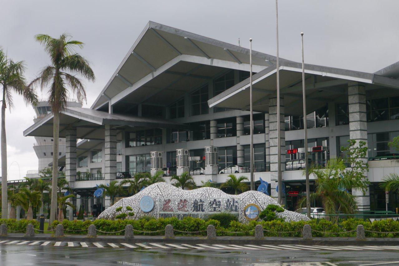 花蓮曼谷直航將要成行,加上之前的香港直航,花蓮機場愈來愈熱鬧,但是花蓮縣的交通接...