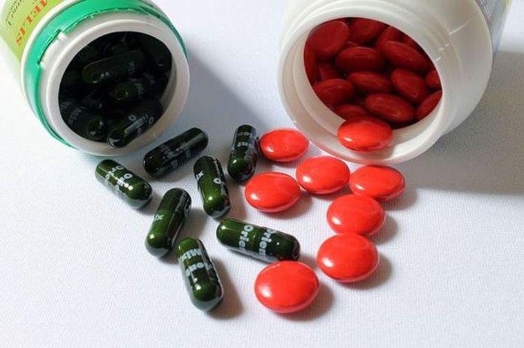 有學者認為每天服用600單位以上之維他命D3,可以預防大腸直腸癌、攝護腺癌及肺癌...