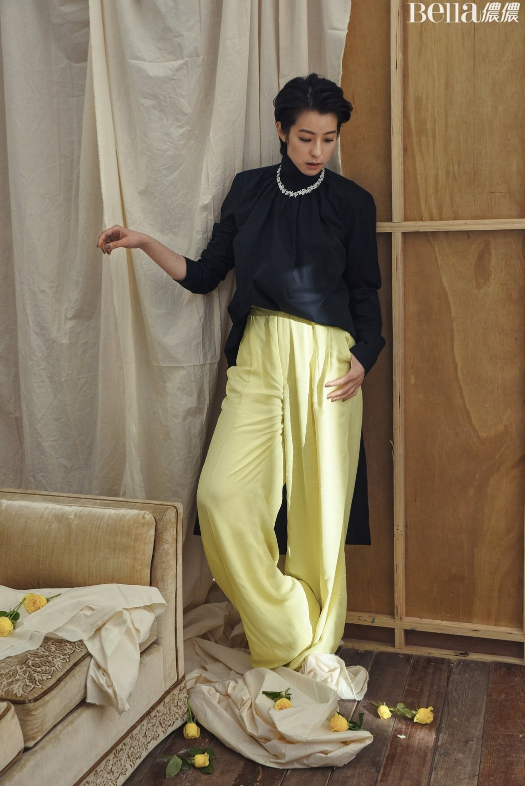 賴雅妍接受時尚雜誌訪問。圖/Bella儂儂提供