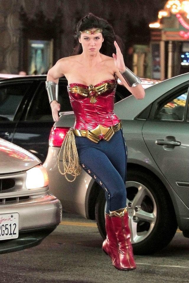 艾卓安帕利姬的造型經過改良,卻無緣與廣大觀眾見面。圖/摘自imdb