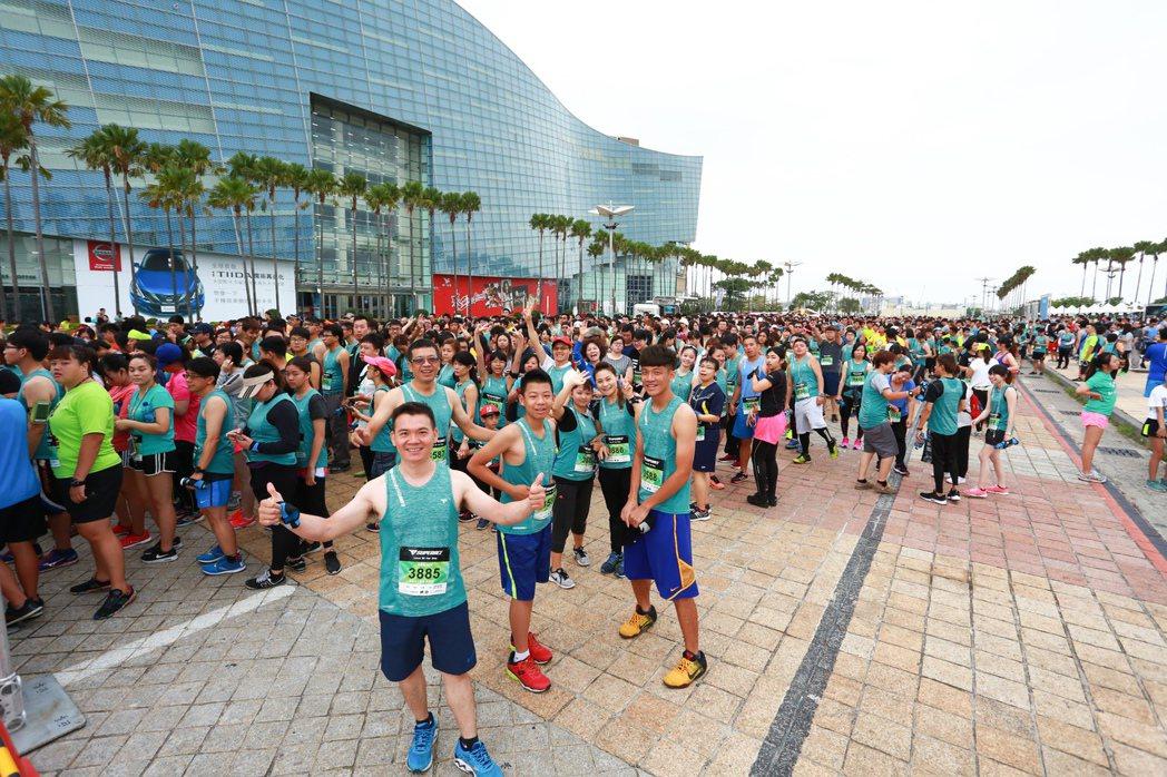 跑者支持愛水守護日理念,共同改變路跑生態。圖/SUPERACE提供