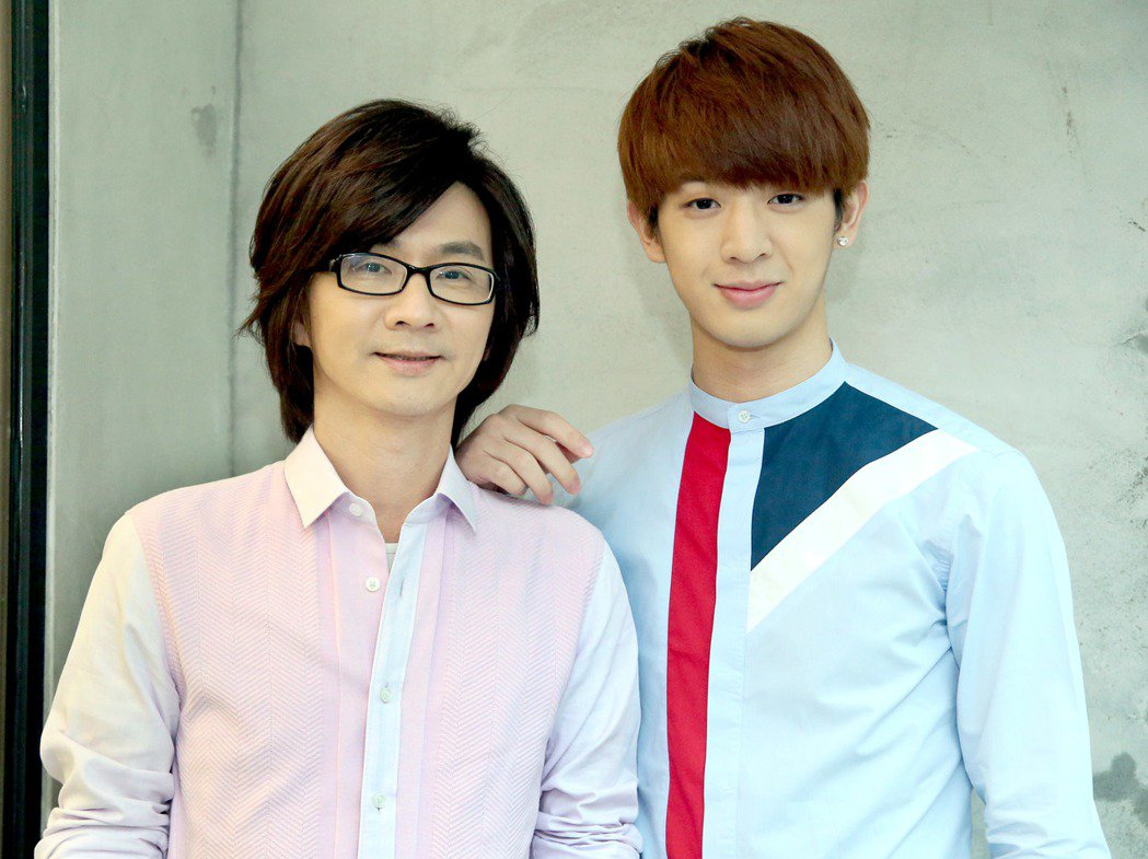 林隆璇(左)與兒子林亭翰。記者屠惠剛/攝影