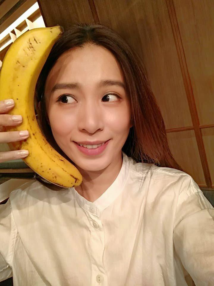 Hebe與「香蕉大爺」合照。 圖/擷自Hebe臉書