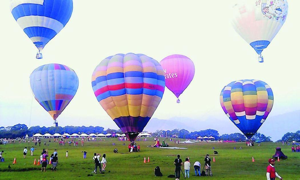 台灣近年興起搭熱氣球風潮。 報系資料照