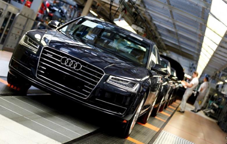 德國交通部(German Transport Ministry)要求 Audi 召回於 2009-2013 年間生產 的 A7、A8 柴油車型,因認為兩車型可能在法定氮氧化物排放標準上超標兩倍。 摘自 Audi