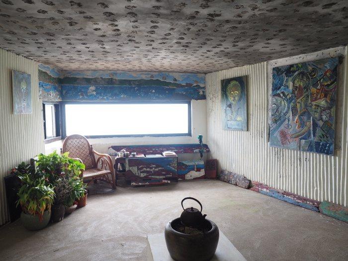 刺鳥書店內部有不少藝術作品。 朱家瑩/攝影