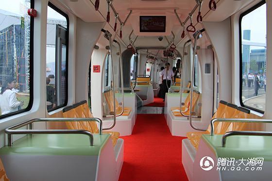 又搶第一 中車發佈全球首列虛擬軌道電車株洲上路