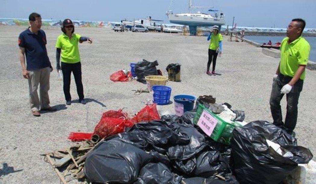 清除的海洋垃圾。 圖/嘉義縣環保局提供
