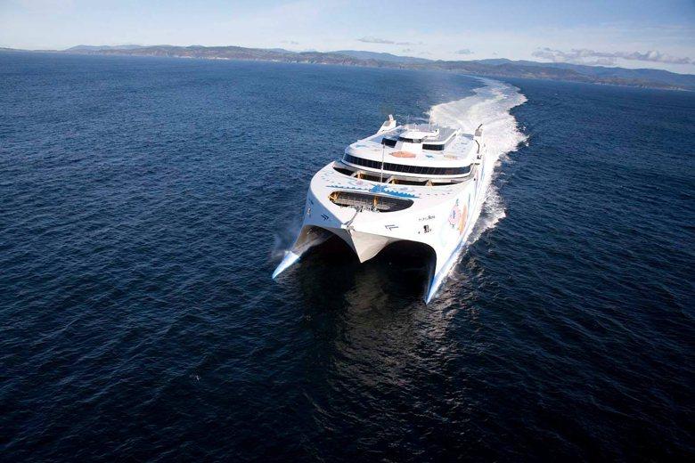 這次蘇花坍方緊急啟動的海運備援計畫,雖然成功輸運部份返北遊客,但同時也顯出藍色公...