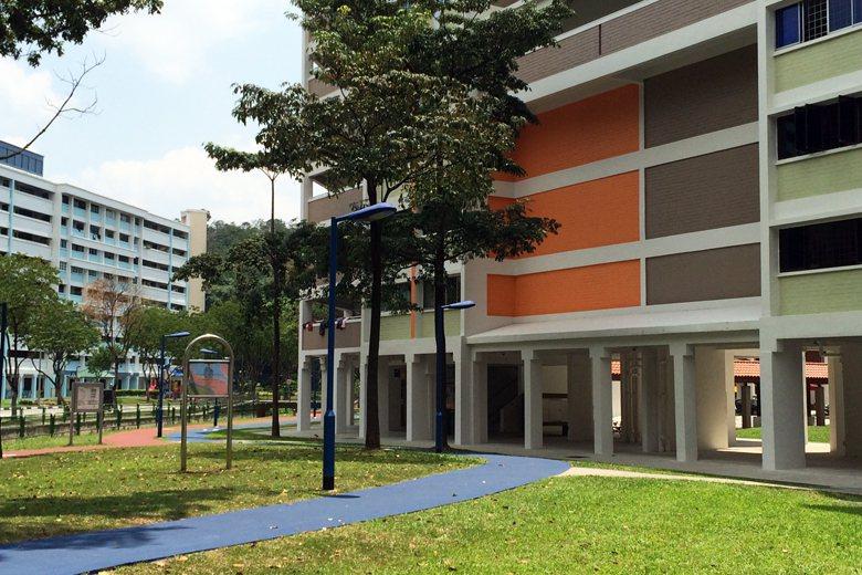 圖為新加坡的國民住宅,當地稱「政府組屋」。這些政府組屋絕大部分底層挑空,以增加開...