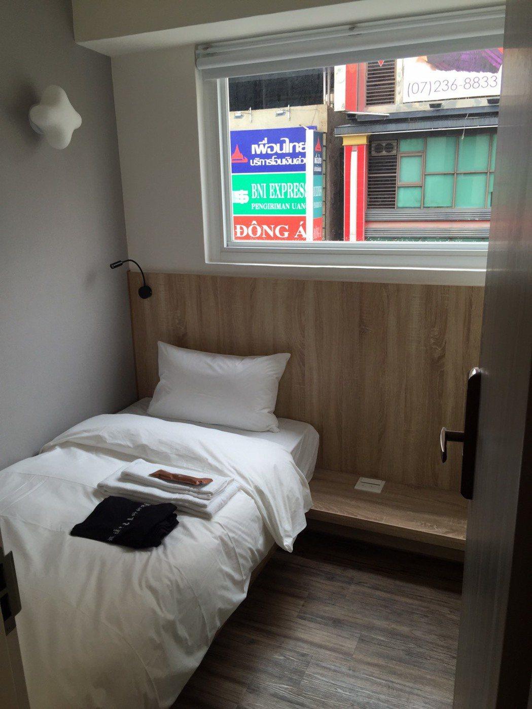 SINGLE INN單人房旅店專注服務一位客人。記者林政鋒攝影