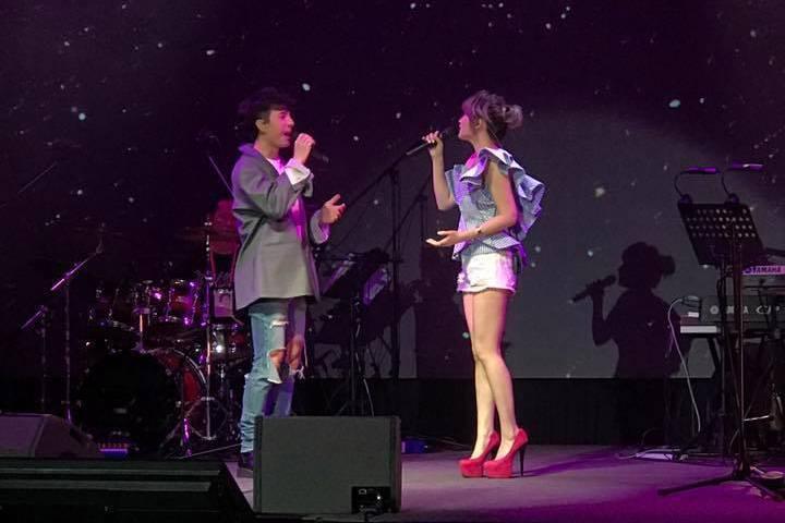 陳勢安和朱俐靜對唱。記者梅衍儂/攝影