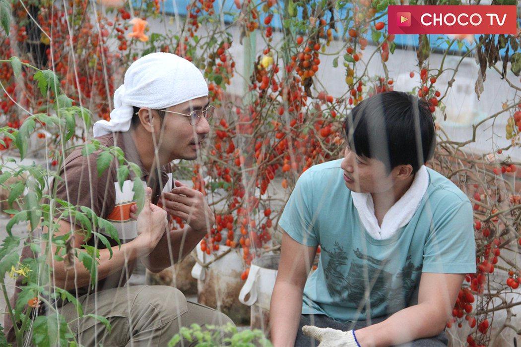 郭彥甫(左)拍「咕咾小姐」,不忘感謝老婆。圖/CHOCO TV提供