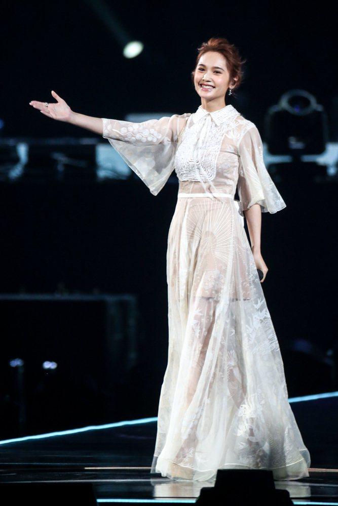2017hito流行音樂獎頒獎典禮在台北小巨蛋舉行,音樂數位大獎得主楊丞琳表演。...