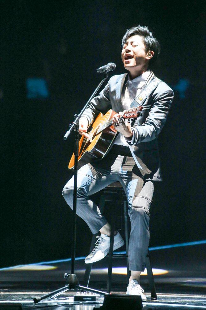 2017hito流行音樂獎頒獎典禮在台北小巨蛋舉行,hito作曲人得主韋禮安表演...