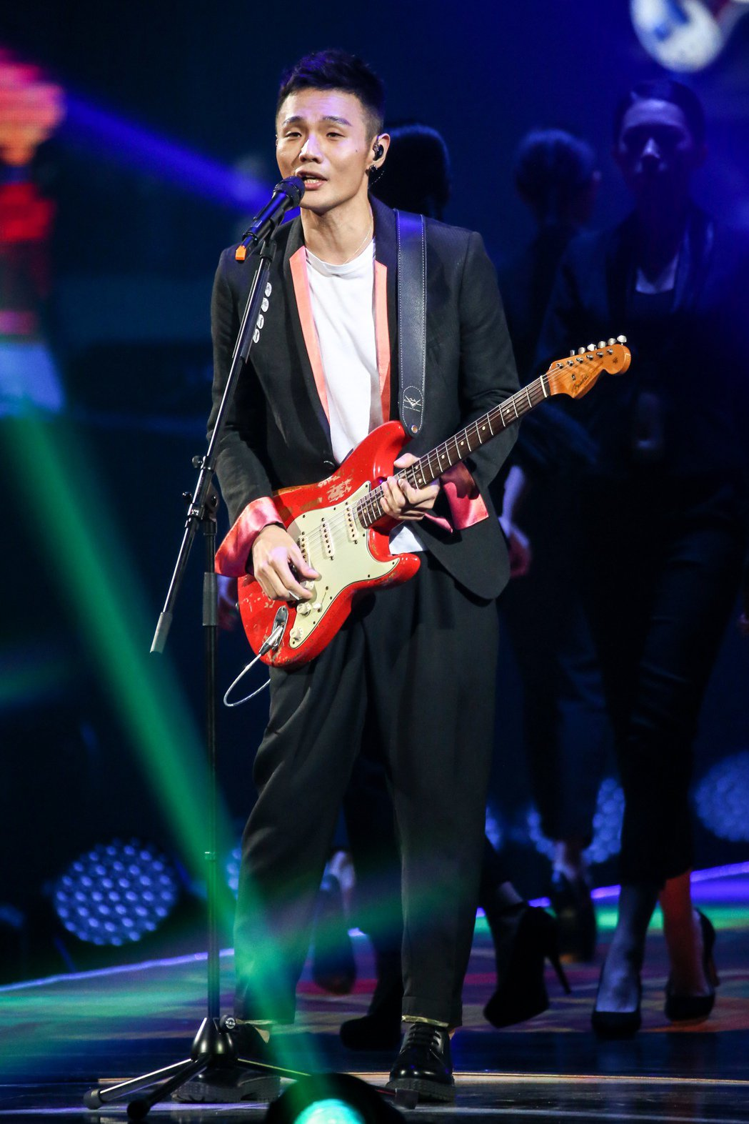 2017hito流行音樂獎頒獎典禮在台北小巨蛋舉行,內地推崇歌手得主李榮浩表演。