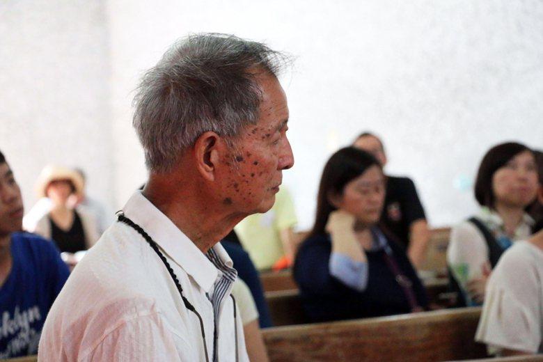 公東高工前校長黃清泰。 圖/作者自攝