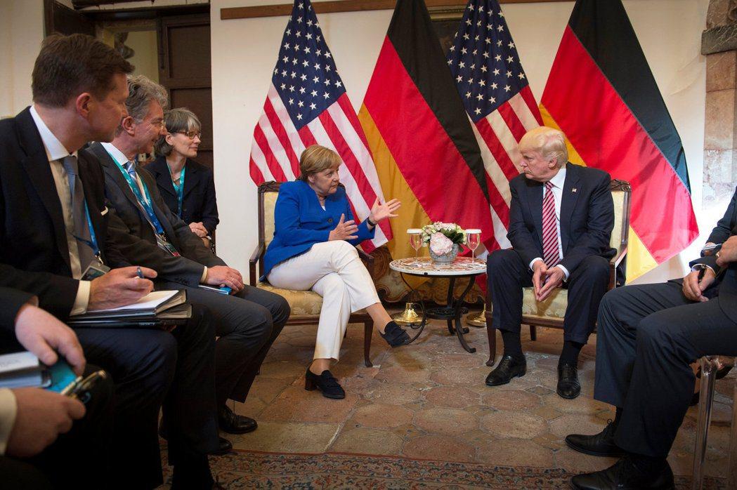 梅克爾日前在與川普會晤的G7峰會上,說出重話,宣稱歐洲不能再指望美國與已經脫歐的...