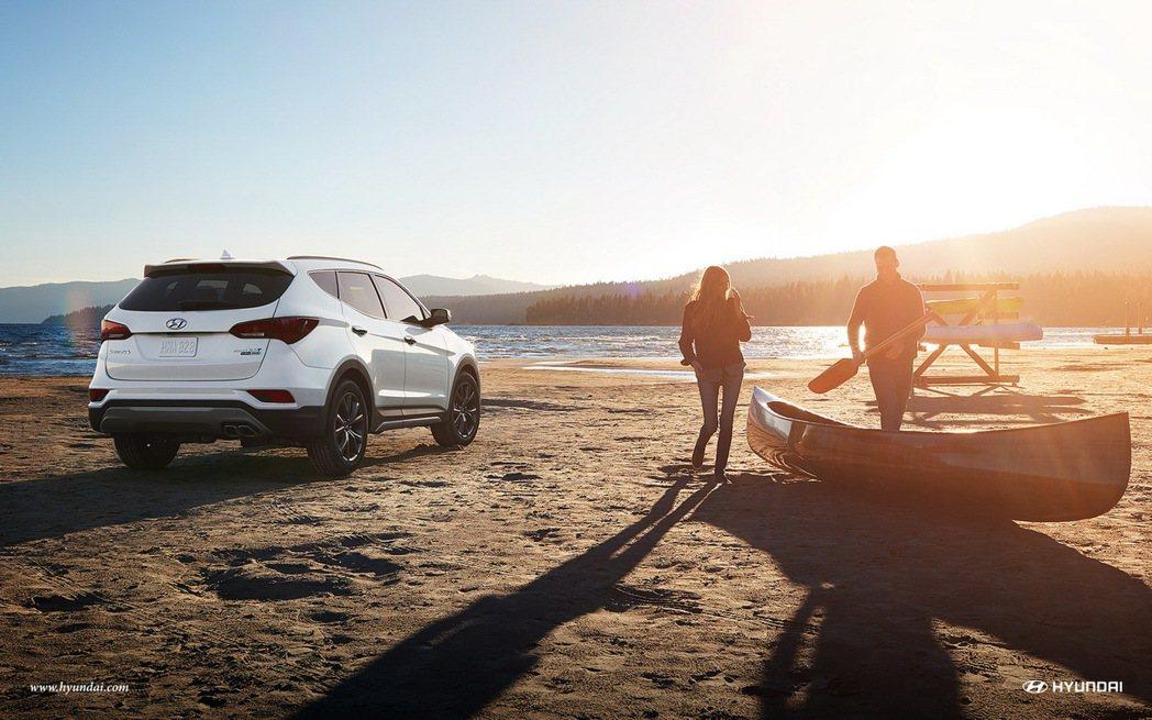 全新HYUNDAI Santa Fe將於7月上市,即日起預接單。(圖為美國車款,與台灣上市車款略有不同) 圖/摘自HYUNDAIUSA.COM