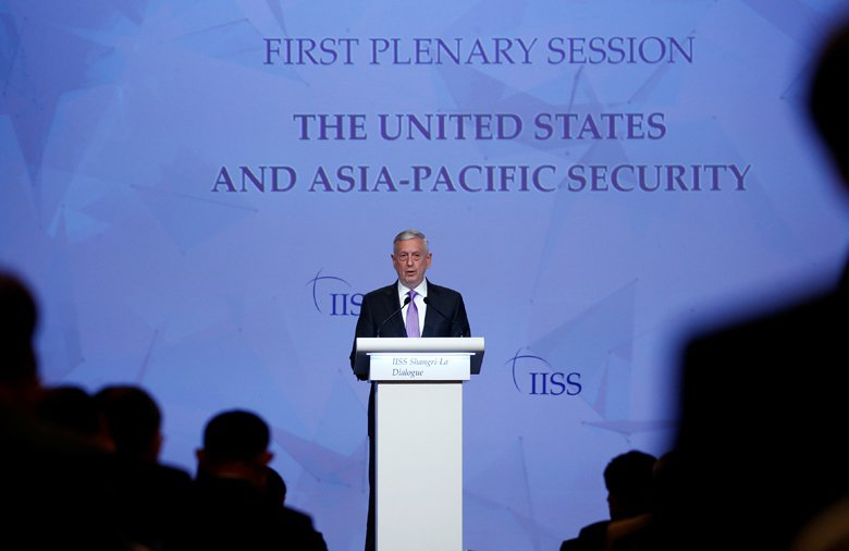 美國國防部長馬蒂斯在香格里拉對話的演講中,大談海洋法治的重要性,以及批評中國在南...