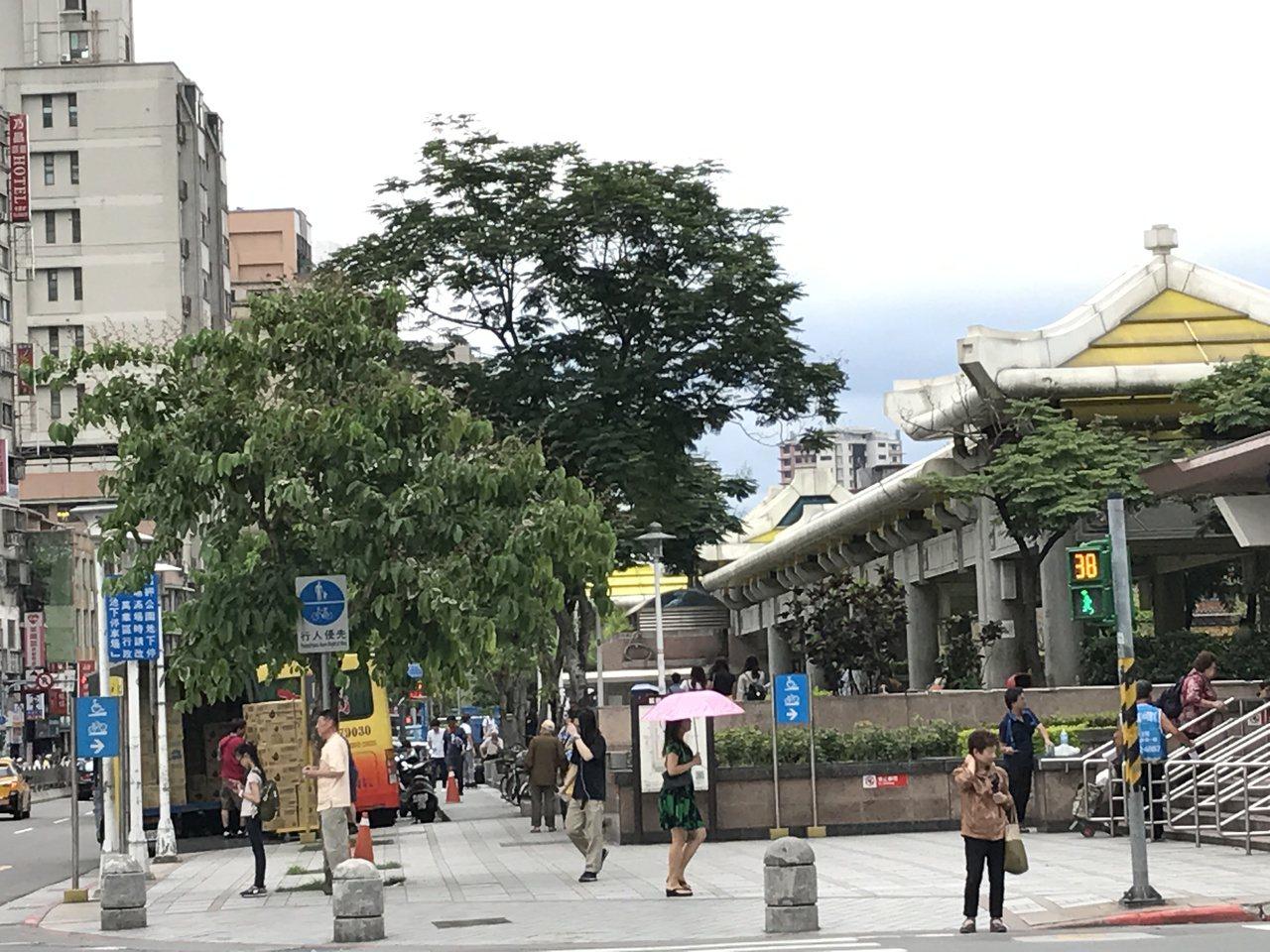 捷運龍山寺站周邊房價逆勢上揚9.5%。記者游智文/攝影