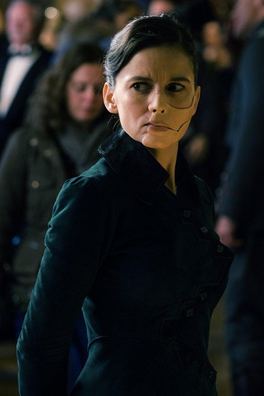 西班牙女星艾琳娜安娜亞在「神力女超人」飾演表現搶眼的反派「毒藥博士」。圖/華納兄...