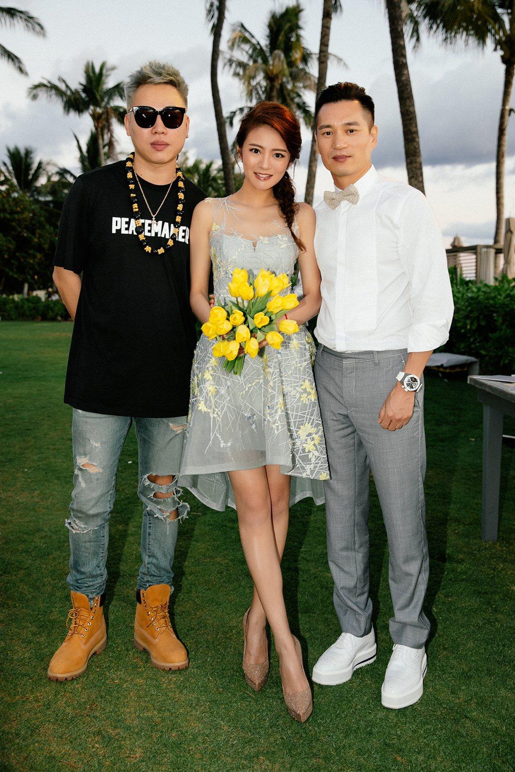 胡彥斌(左起)出席安以軒與陳榮煉夏威夷婚禮。圖/安以軒工作室提供