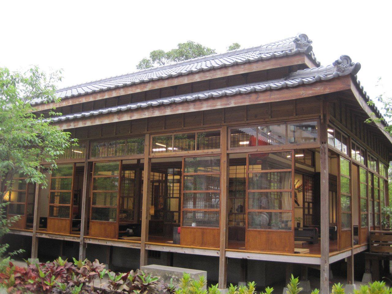 台中刑務所演武場外觀具日式建築特色。記者游振昇/攝影