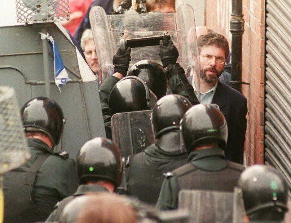 1997年抗爭中的共和派領袖、北愛新芬黨黨魁亞當斯(Gerry Adams)。在...