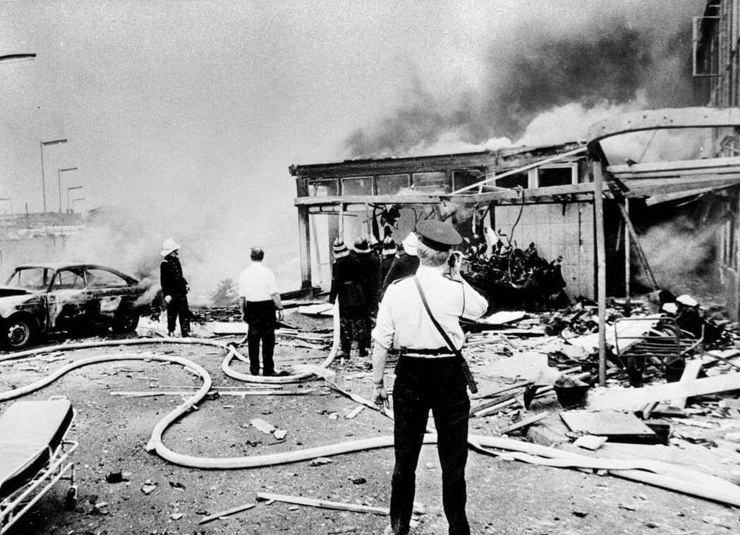 「血腥星期五」:1972年7月21日星期五,北愛爾蘭首都貝爾法斯特,有22顆炸彈...