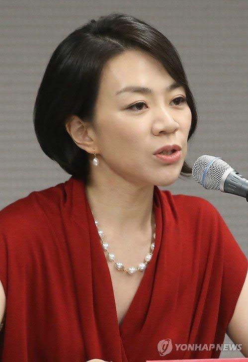 2014年韓進集團千金趙顯娥因堅果鬧機而辭職。圖/韓聯社