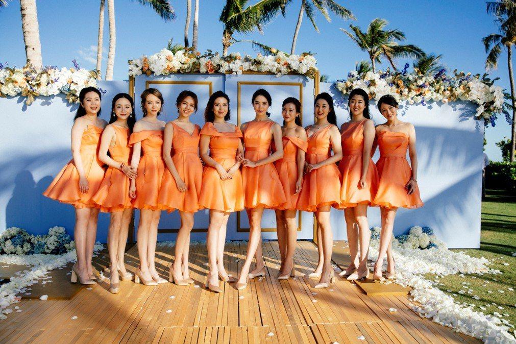 安以軒嫁澳門富商陳榮煉夏威夷婚禮,伴娘團個個美豔。圖/安以軒工作室提供