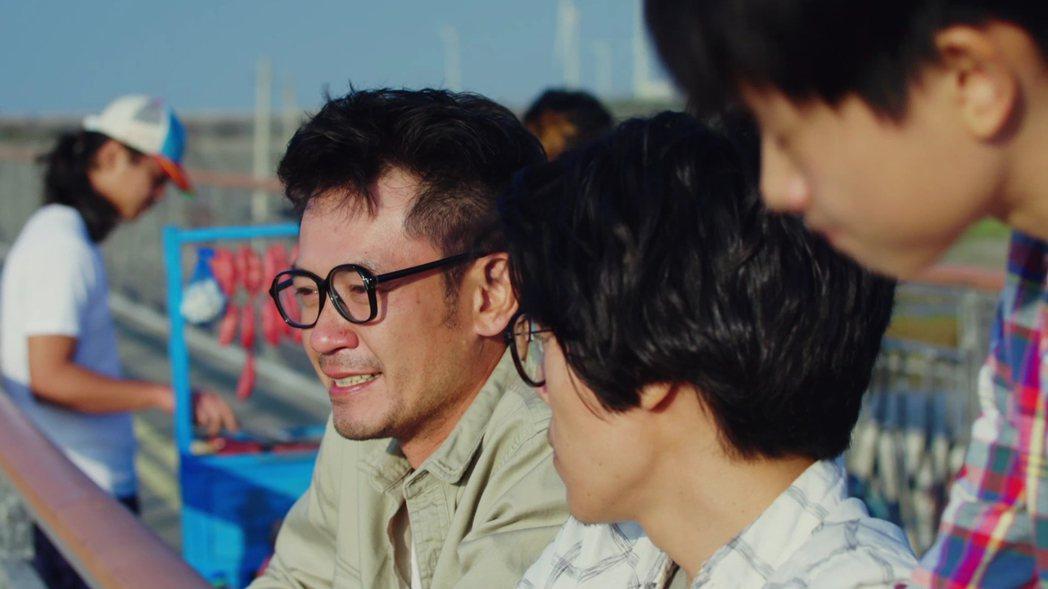 柯叔元(左)大讚盧廣仲演出自然。圖/好風光提供