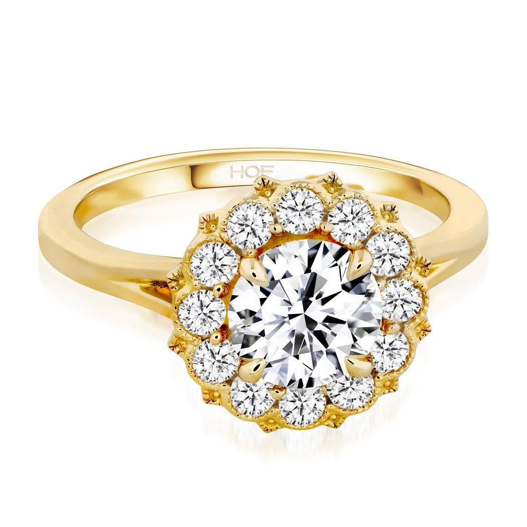 Liliana Halo鑽石戒指,18K黃金和白金鑲嵌總重0.6克拉鑽石,售價1...