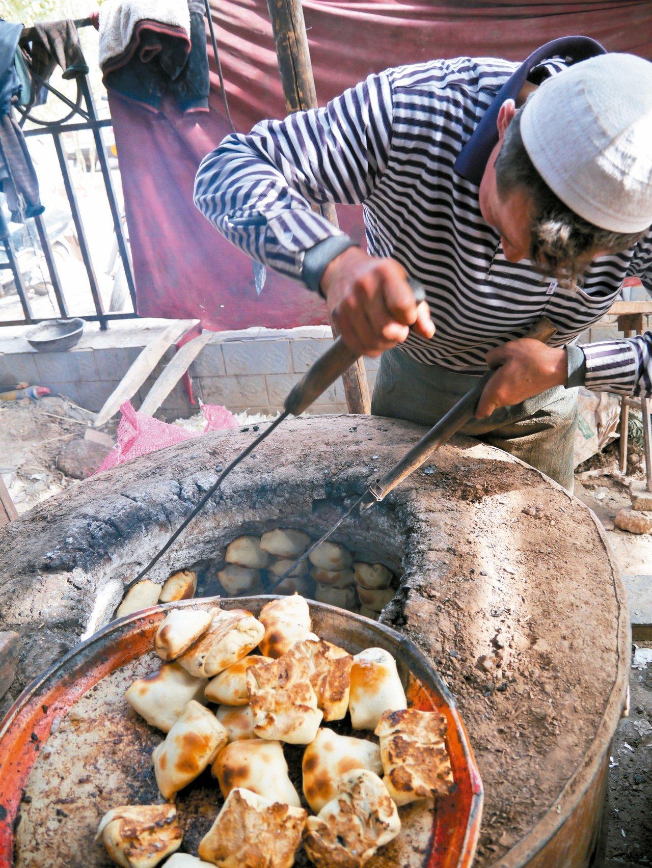 新疆的人文與小吃,也是獨絕體驗。 記者羅建怡/攝影